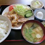 大谷食堂 - 焼肉定食(豆腐・生玉子付き,全景)