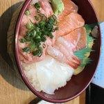 海鮮丼のどんぶりこ -