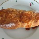 フルール・ド・ファリーヌ - チェダーチーズのフランスパン