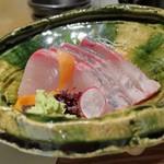 天ぷら 市 - カンパチの造り
