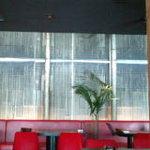 CAFE COCODOCO - 真っ赤なテーブル席
