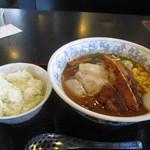 壱力 - 料理写真:味噌ラーメン702円+炙りチャーシュー1枚108円