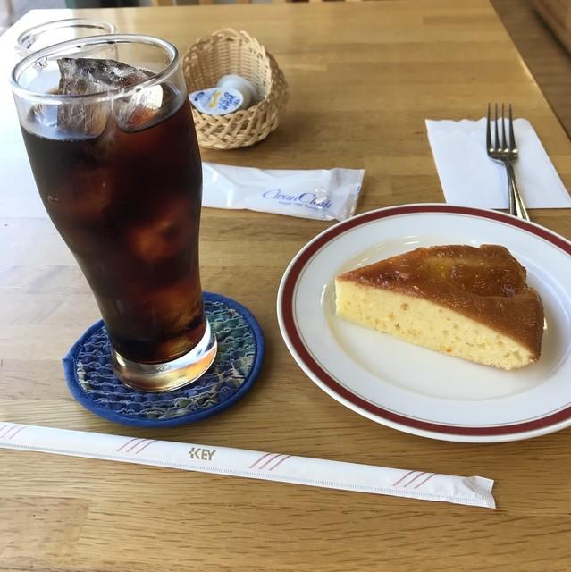 ぷらっとカフェ - オレンジケーキセット。 税込650円。 美味し。