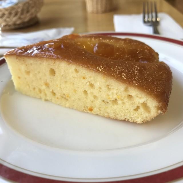 ぷらっとカフェ - オレンジケーキ。 美味し。