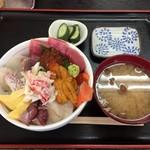 86123837 - びっくり海鮮丼\1,350