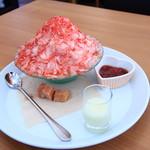 King Farm Cafe - 完熟いちご丸ごとかき氷