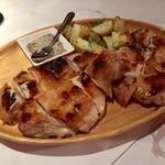 マカロニ食堂 - チキンの炭火焼き(石窯)