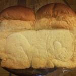 パン工房 たまいろは - 山食ぱん