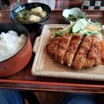レストラントキワ - 料理写真:メンチカツ定食(720円)アイスorドリンク付