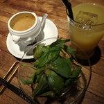 ISO - スープとサラダとドリンク