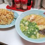 86129887 - 「焼き飯定食」(800円)。焼き飯(小)とラーメンのセット。