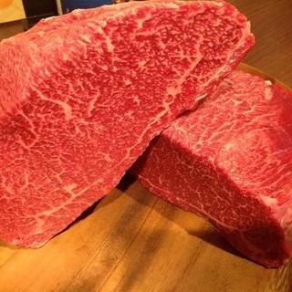 黒毛和牛や馬肉の貴重な部位を楽しめちゃう肉バル♪