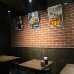 京都 肉食堂 - シックな雰囲気
