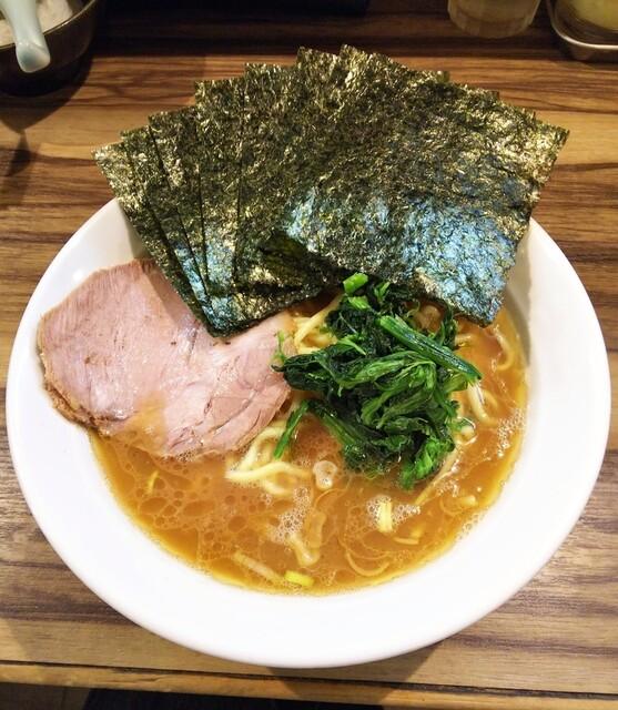 五丁目ハウス - ラーメン680円麺硬め。海苔増し50円。