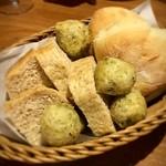 サカナバル - もっちりパン