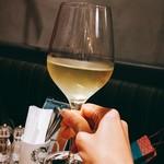 サカナバル - 白ワイングラスで。