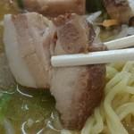 原宿ラーメン - ここの売りのひとつであるトロトロの「角煮」