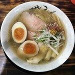Menyahiro - 麺屋 裕 蟹塩そば 750円+味付け玉子100円