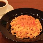 カフェ フェリース - 注文率NO.1 カニとトマトのクリームパスタ♪