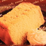 カフェ フェリース - 抹茶のシフォンケーキ♪ (メープルシフォンケーキもあります)