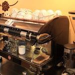 カフェ フェリース - CONTI社製のエスプレッソマシーンで美味しい珈琲をどうぞ♪