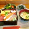 食事処 いのうえ - 料理写真:海鮮ちらし 味噌汁 サラダ 小鉢