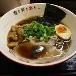 麺屋彩々 - 清澄濃口醤油らーめん(750円、斜め上から)