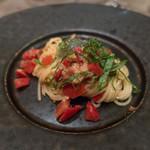 86157883 - 駿河湾生シラスとフルーツトマトの冷製パスタ 紫蘇の香り