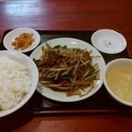 翠葉 - 料理写真:ニラレバ定食