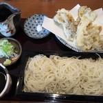 86161632 - 更科蕎麦と舞茸の天ぷら