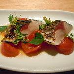 8617980 - 三重県尾鷲より 鯖の炙り 高知県産フルーツトマトと共に