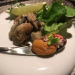 TAKKE - 牡蠣の燻製オイル漬け580円