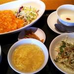 壺中天菜館 - 海老のチリソースを定食にしてもらいました。