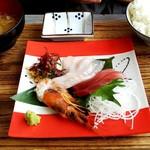 レプス座 八起 - お刺身定食 ¥950