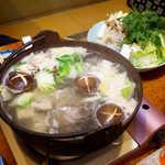 鬼瓦 - クエ鍋の出来上がり! シメは雑炊だったのですが、すごいボリュームで、到達できませんでした(笑)