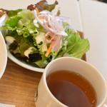 サクラカフェ - ランチセット(+100円)の『サラダとスープ』2018年5月