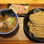 中華蕎麦 とみ田 - 「つけめん並」(900円)+「厳選焼豚トッピング」(600円)