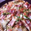 ホンキートンク - 料理写真:こだわりホームメイドPizzaは手伸ばしで食べやすい生地にトロトロチーズがたっぷり!