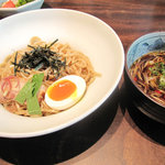 博多 五行 - 月替わり(6月・7月限定)の五行つけ麺780円。麺は冷たく、スープは熱い『ひやあつ』です。