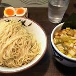 86183740 - つけ麺並800円(細麺、冷やもり)+煮玉子+辛子