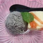 懐石 櫻 - デザート(サクラゴマージュのアイス&レアチーズのケーキ)