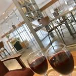 Cafe Rob - ハッピーアワー食事+ワイン¥300の赤ワイン