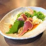 和食バル ふるぼ - カツオのたたき ¥650