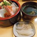 ひな寿司 - 並ちらし