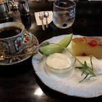 86193634 - チェリーのケーキと花筐特製ブレンドコーヒー