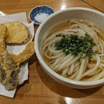 讃岐うどん いそや - 料理写真:【2018/5】ひやかけ中+野菜天