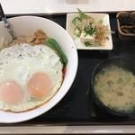 キッチン SALA - 料理写真:しょうが焼き目玉丼定食