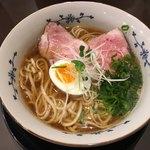 粉哲 - 料理写真:煮干らーめん(醤油)ヽ(*´∀.`)/¥750円.。.:*☆