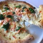 桜海老とブロッコリーのクリームソースピザ