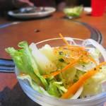 カウボーイカレー - ディナーですがサラダ付きでした